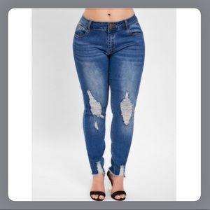 NEW PLUS SIZE Distressed Denim Skinny Jeans